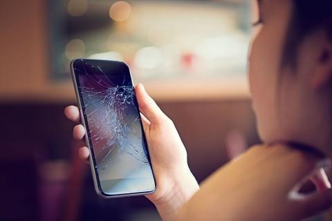 Proč je důležité zakoupit si k telefonu také ochranný kryt a fólii?